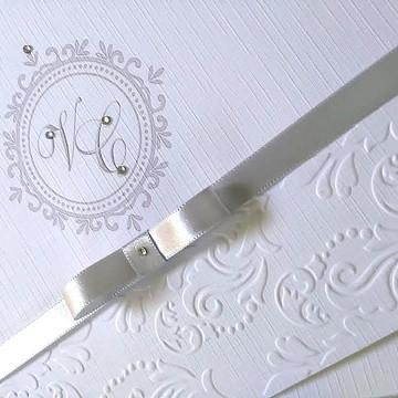Convites de casamento com relevo seco