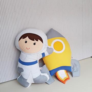 Almofada foguete e astronauta