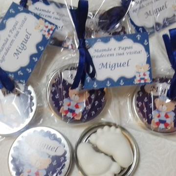 Latinhas com Mini Sabonetes Pezinhos personalizadas