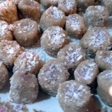 Bala de coco Gourmet recheada - Sabores 150g