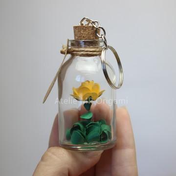 Brinde corporativo chaveiro flor na garrafinha