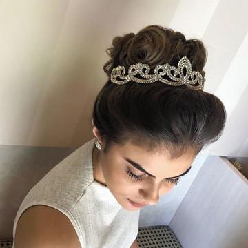 Coroa de strass para noivas e debutantes