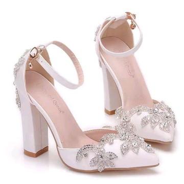 543d1fc97d Sapato de Noiva personalizado BRANCO COM STRASS SALTO BAIXO