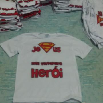 4d24b5bb24 Camiseta Jesus meu verdadeiro Herói
