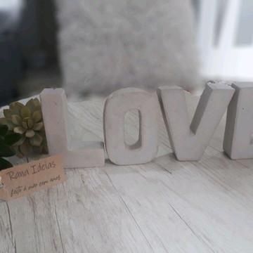 Palavra de concreto LOVE