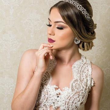 Tiara ou porta coque de stass para noivas