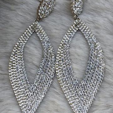Brinco de strass prata para festa