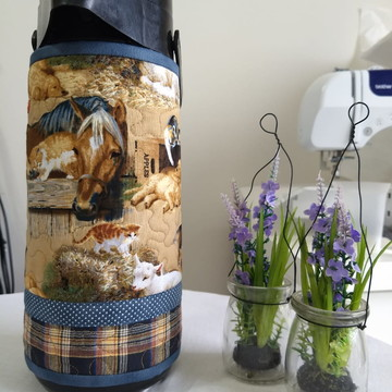 Capa para garrafa térmica em patchwork