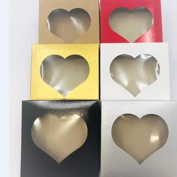 20 Caixa visor Coração Vermelha Preta Branca Kraft 15x15x4