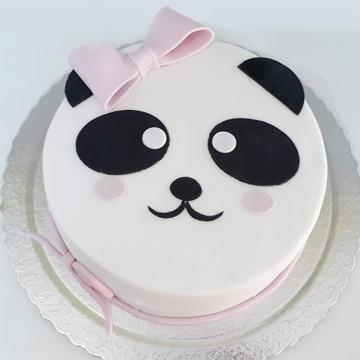 Bolo decorado Panda em pasta americana