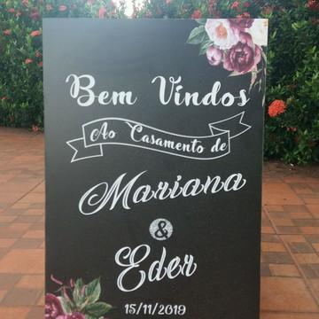 """Placa Chalkboard Casamento """"Bem Vindos"""" Marsala01"""