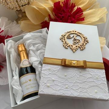 Caixa mini champanhe para convidar padrinhos