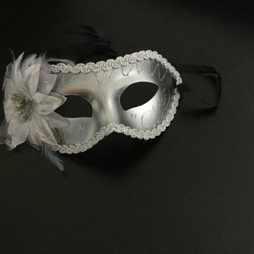 Máscara Veneziana cor Prata