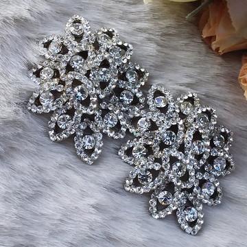 Brincos de strass prata para festa