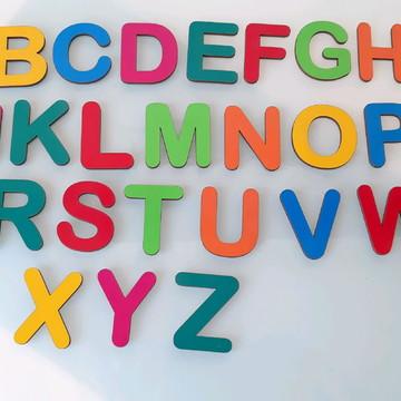 Kit Educativo Alfabeto MDF 26 peças Coloridas