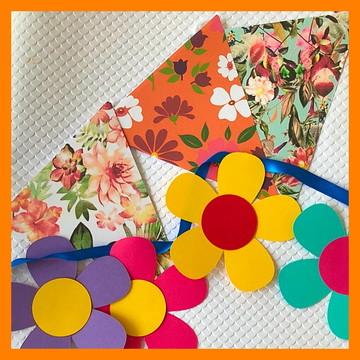 Kit Bandeirola de Flores e bandeirola triangular floral