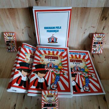 Livro de colorir circo
