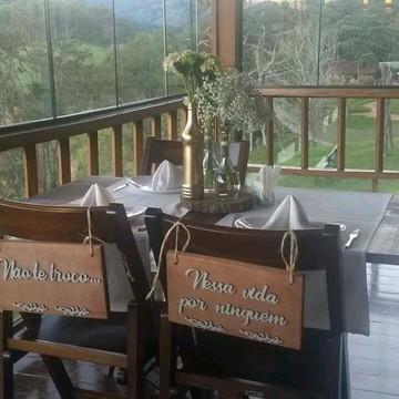 Placas em madeira para casamento