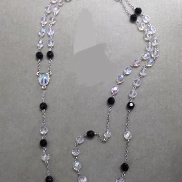 Rosário em cristal preto e transparente