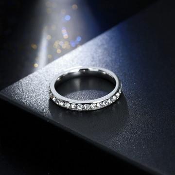 Anel Solitario Feminino De Aço Com Pedras Zircônia 3mm Prata