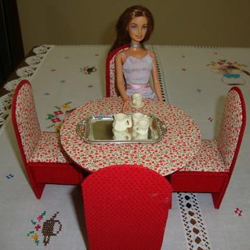 Sala de jantar Barbie