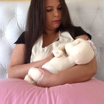 Bebê Boneca simuladora para amamentação + avental com mamas