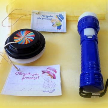 Kit Presente lanterna e ioiô + tag + saco de organza