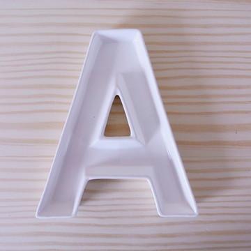 Letra de Cerâmica Branca - A