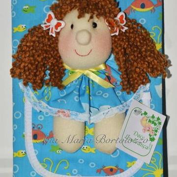 Caderno diário com bonequinha no bolso