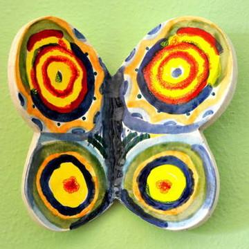 Borboleta Multicor em cerâmica