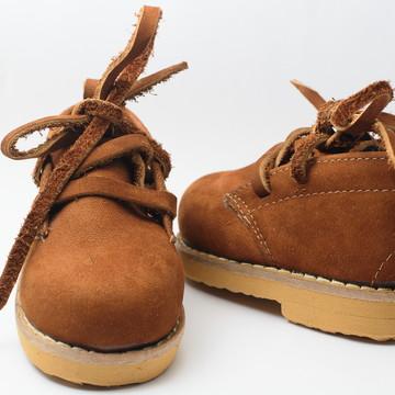 Calçado Botina Infantil em couro legítimo e lã unisex