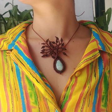 Amuleto Árvore com pedra Amazonita em macramê