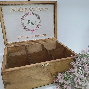 Caixa de chá personalizada com bordado para Bodas de Ouro