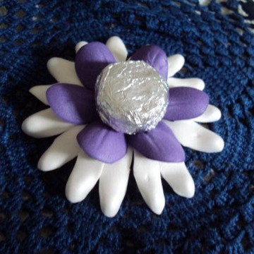 Forminha de flores bicolor para doces
