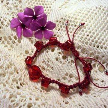 Shambala vermelha: A pulseira da moda