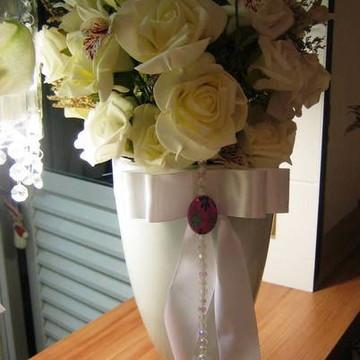 Arranjo de rosas brancas e lírios I