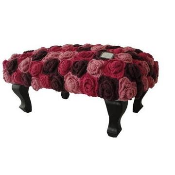 """Banqueta com crochê """"Rosas"""""""