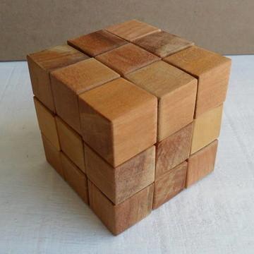 CUBO DE ELÁSTICO -em madeira para montar