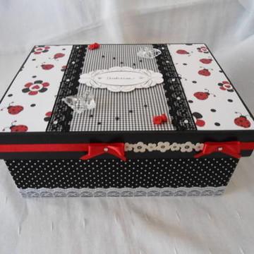 Porta jóia vermelho, preto e branco