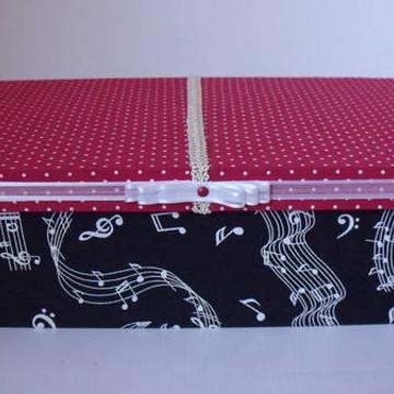 Caixa Com Tecido Musical e vermelho