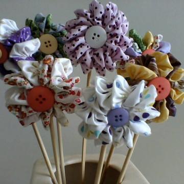 Flores em tecido - Fuxico