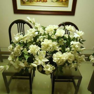 ARRANJOS Mistura de flores.