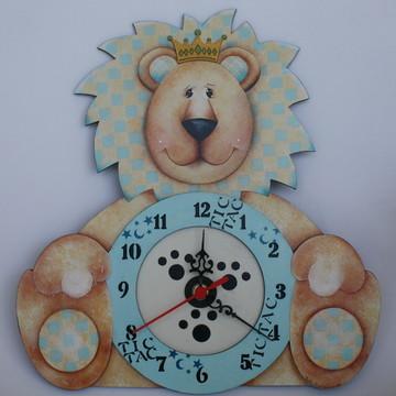 Relógio em mdf Rei Leão