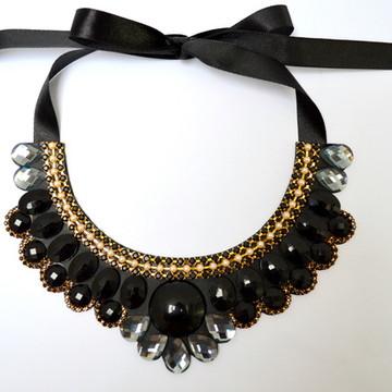 MAXI COLAR BLACK DIAMOND