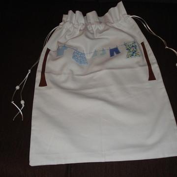 Saco de roupa suja infantil