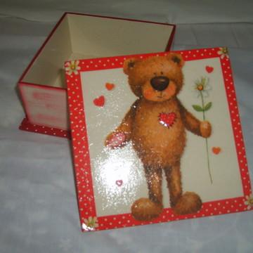caixa urso marrom
