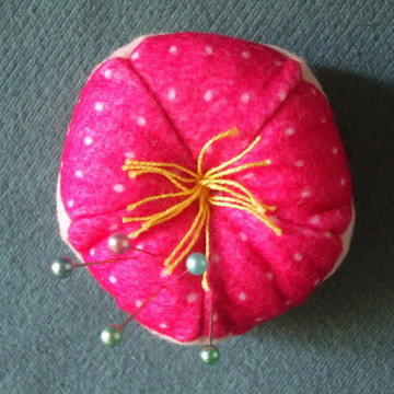 Agulheiro em forma de flor