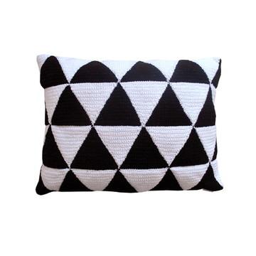 Almofada de Crochê - Preto e Branco
