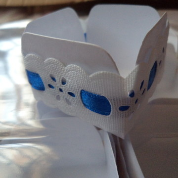 Forminha com passa fita azul