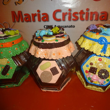 Potes decorados para doces